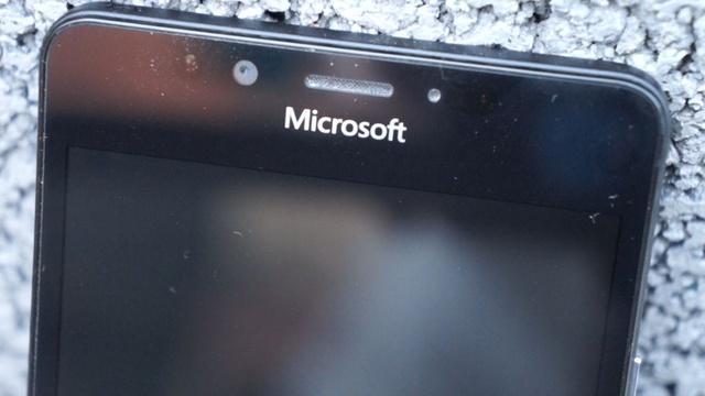 Lumia 950 - ekran