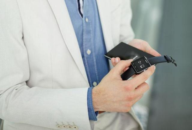 Sony Smartwatch 2 fot3