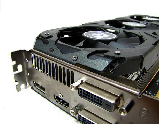 PowerColor R9 290 PCS+ fot1