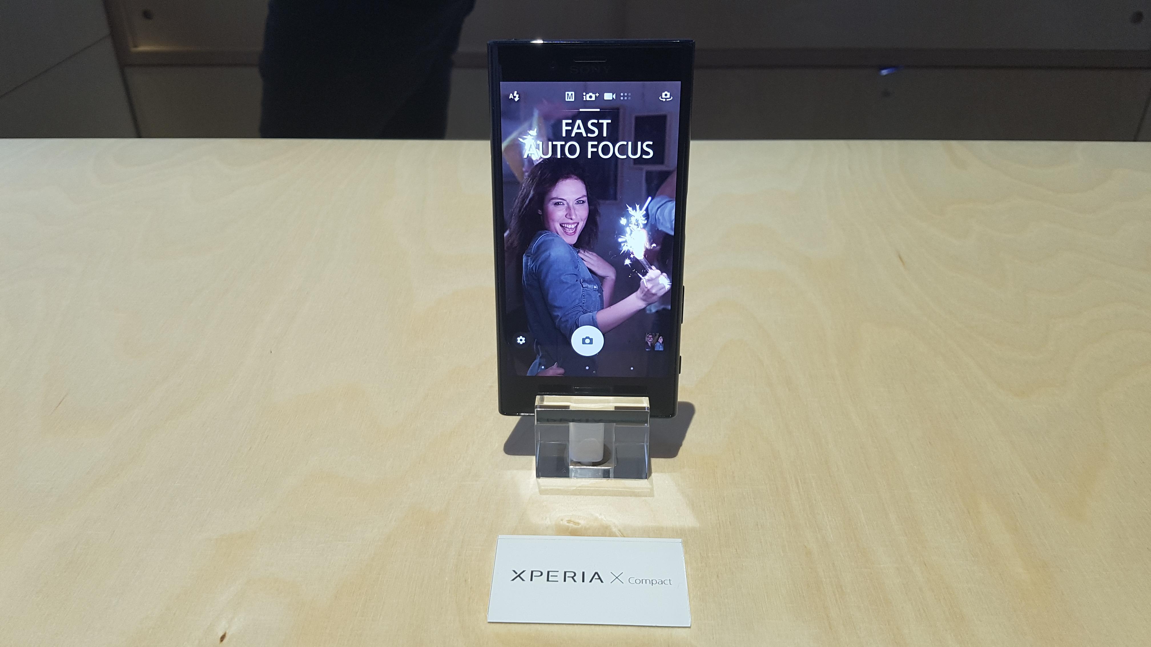 Xperia X Compact nie jest wodoodporna. Krok w tył dla Sony