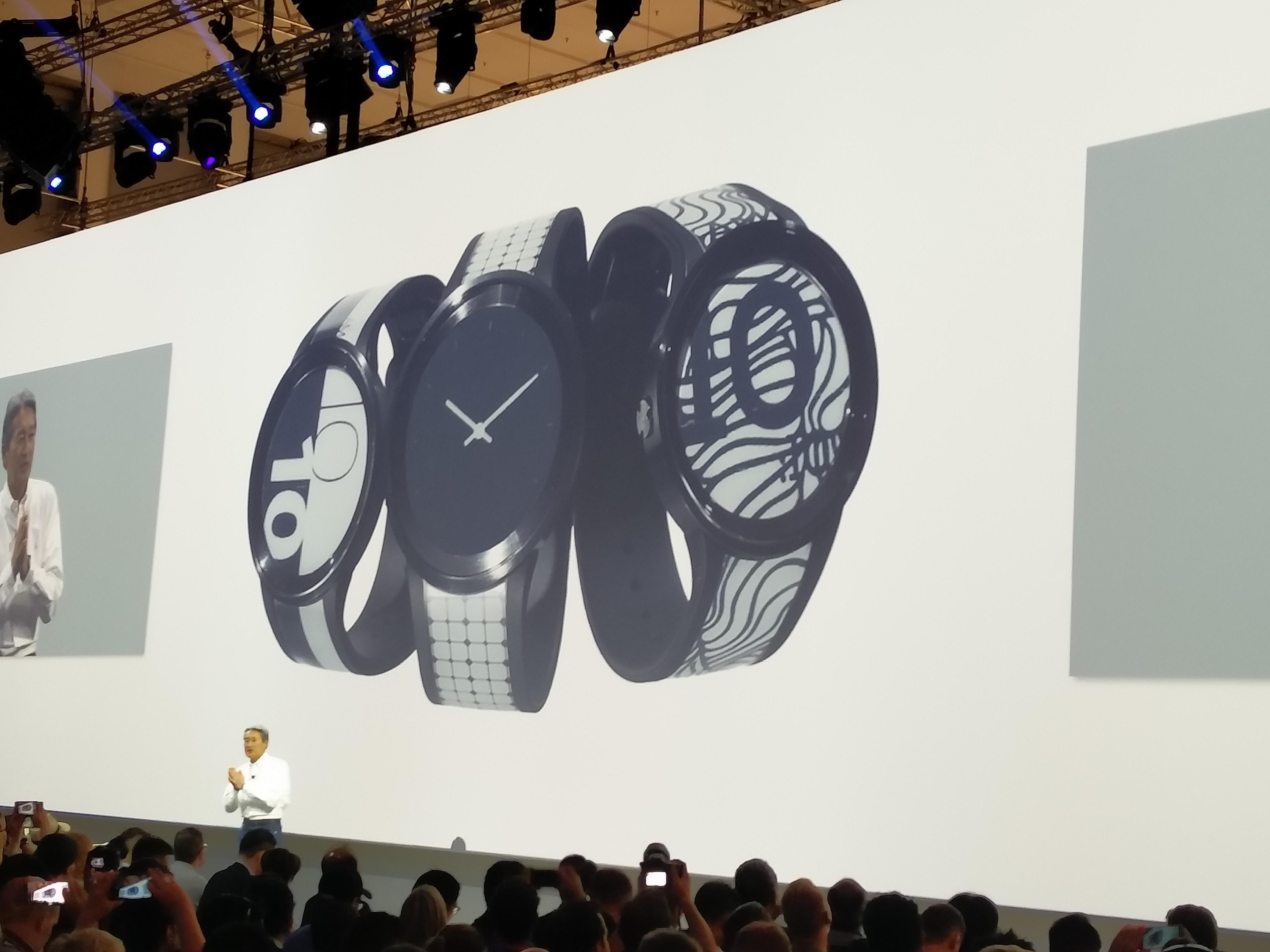 Sony smartwatch z luminacjami na pasku