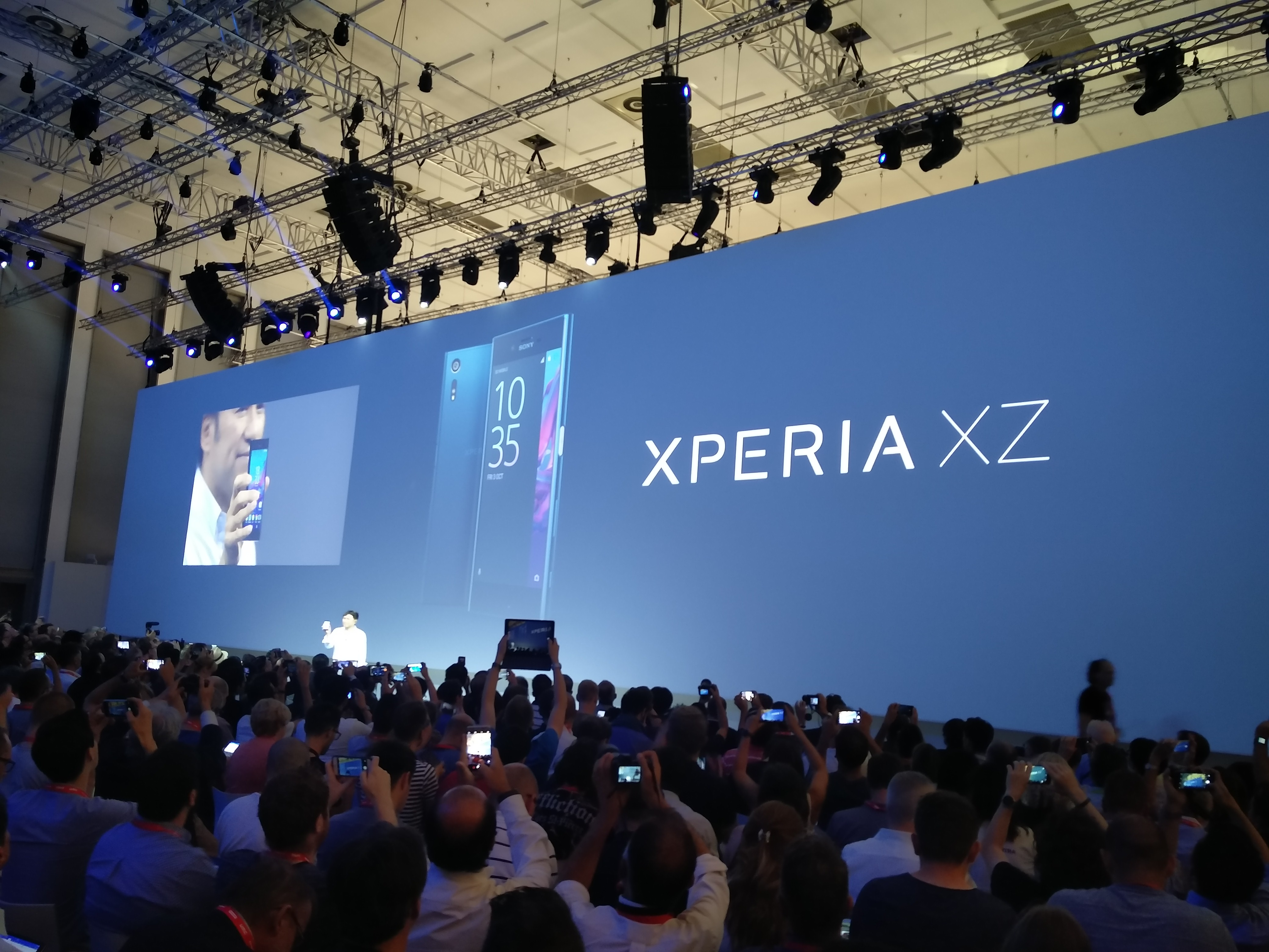 Nowy smartfon Xperia XZ